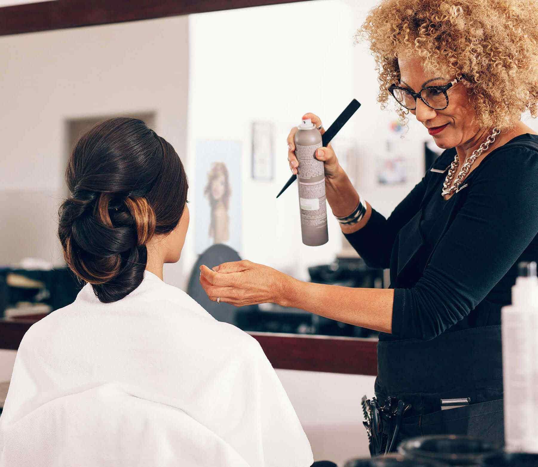 https://coiffurelaplace.fr/wp-content/uploads/2018/12/hairdresser-img-small.jpg